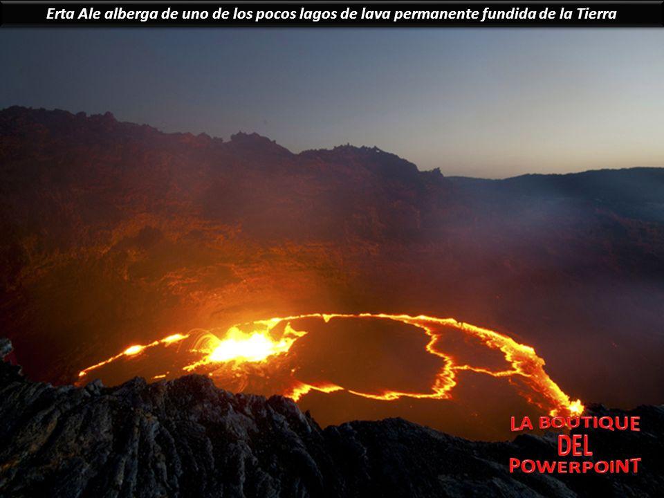 Erta Ale alberga de uno de los pocos lagos de lava permanente fundida de la Tierra