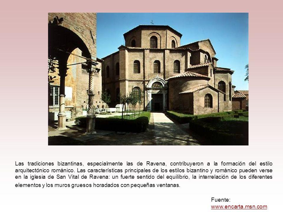 Las tradiciones bizantinas, especialmente las de Ravena, contribuyeron a la formación del estilo arquitectónico románico. Las características principales de los estilos bizantino y románico pueden verse en la iglesia de San Vital de Ravena: un fuerte sentido del equilibrio, la interrelación de los diferentes elementos y los muros gruesos horadados con pequeñas ventanas.