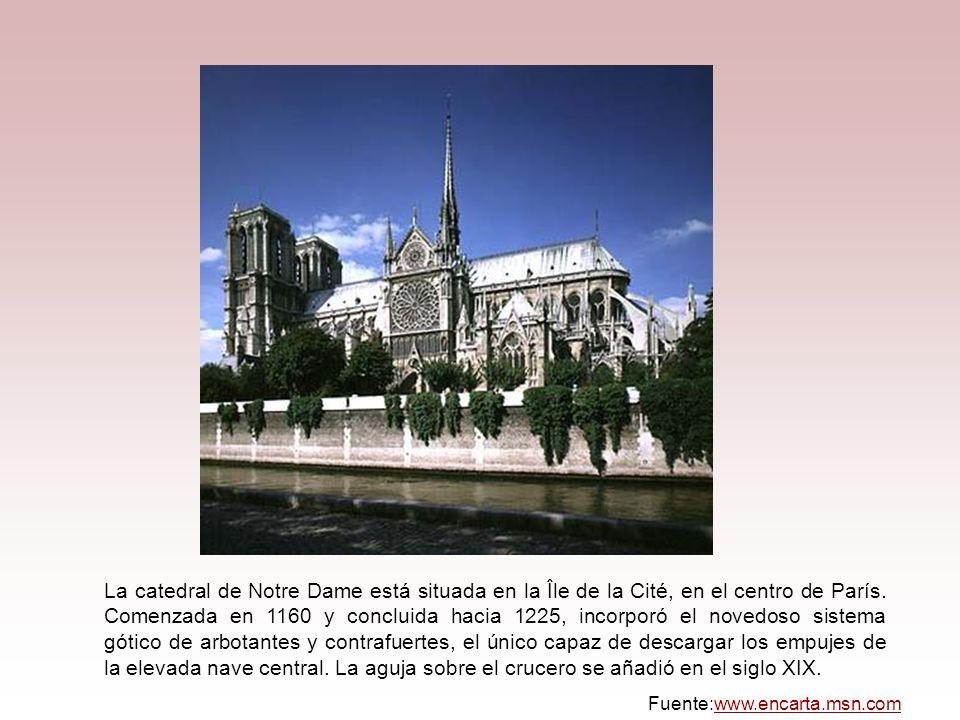 La catedral de Notre Dame está situada en la Île de la Cité, en el centro de París. Comenzada en 1160 y concluida hacia 1225, incorporó el novedoso sistema gótico de arbotantes y contrafuertes, el único capaz de descargar los empujes de la elevada nave central. La aguja sobre el crucero se añadió en el siglo XIX.