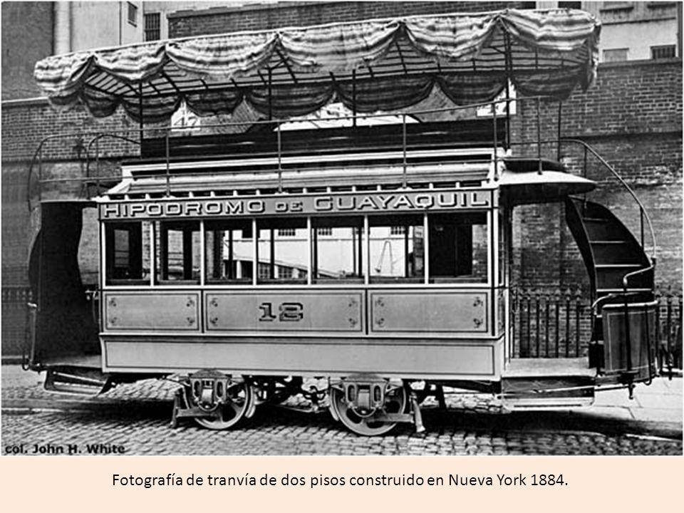 Fotografía de tranvía de dos pisos construido en Nueva York 1884.