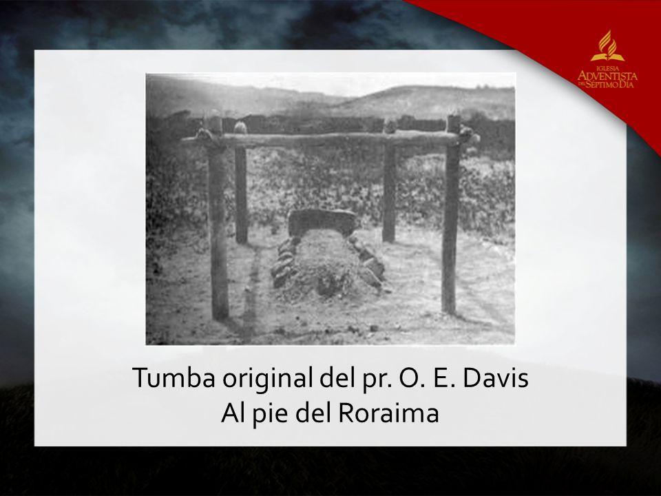 Tumba original del pr. O. E. Davis