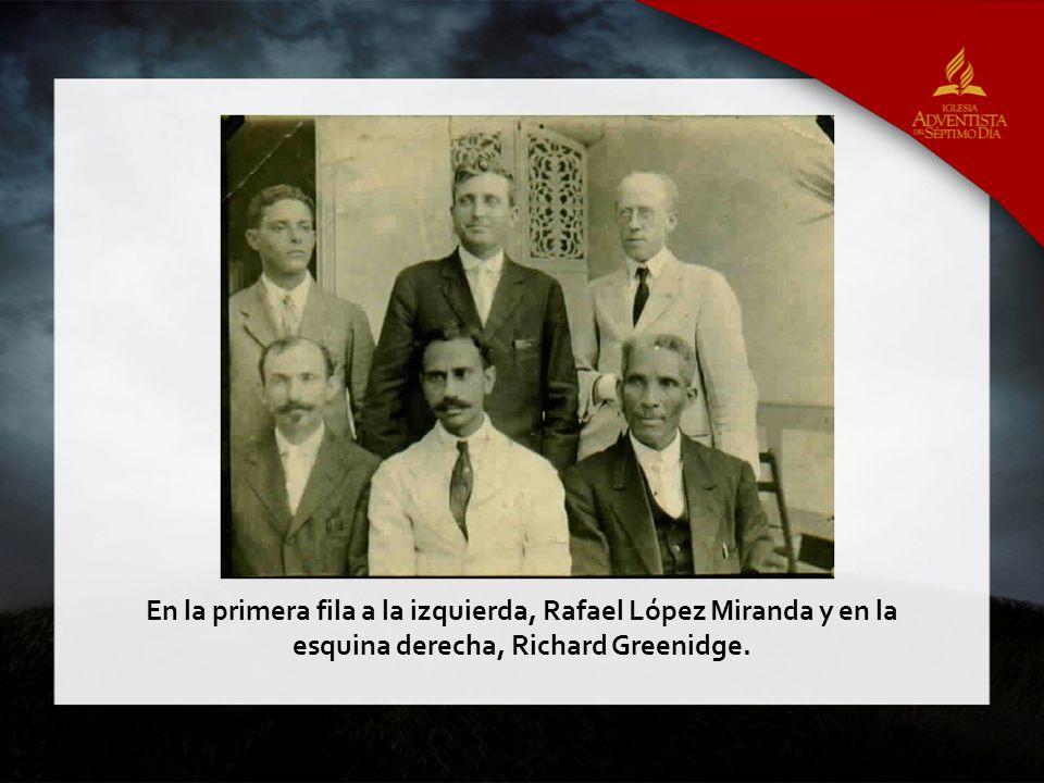 En la primera fila a la izquierda, Rafael López Miranda y en la esquina derecha, Richard Greenidge.