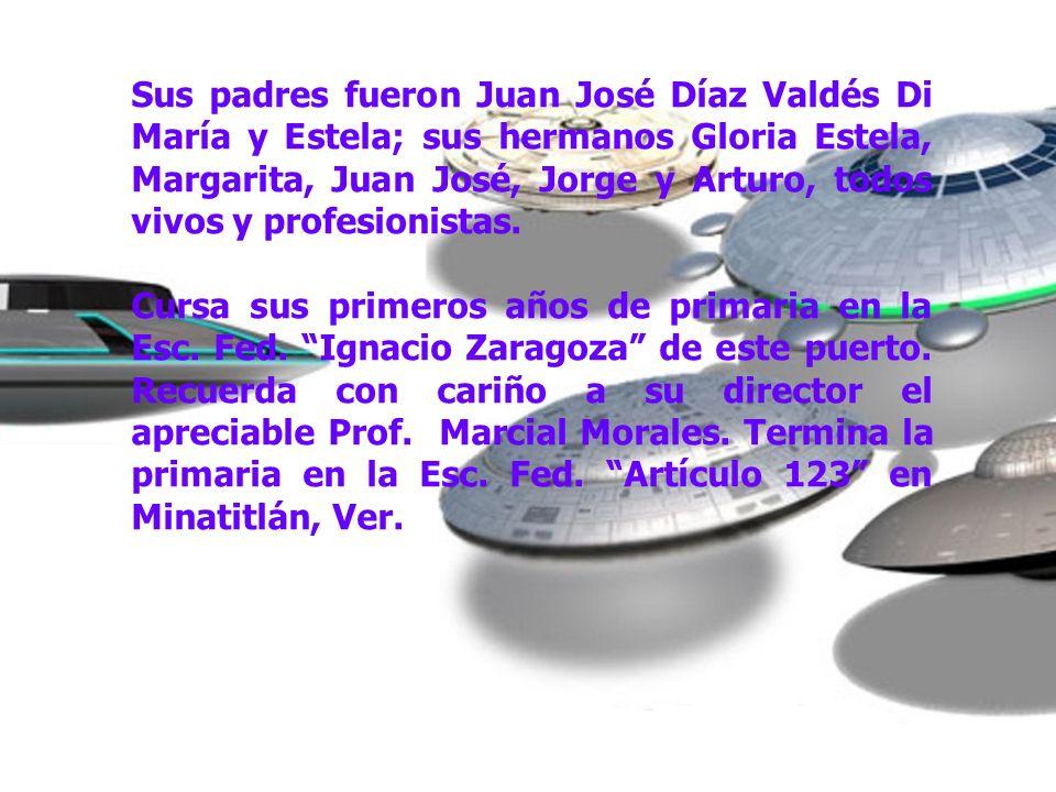 Sus padres fueron Juan José Díaz Valdés Di María y Estela; sus hermanos Gloria Estela, Margarita, Juan José, Jorge y Arturo, todos vivos y profesionistas.