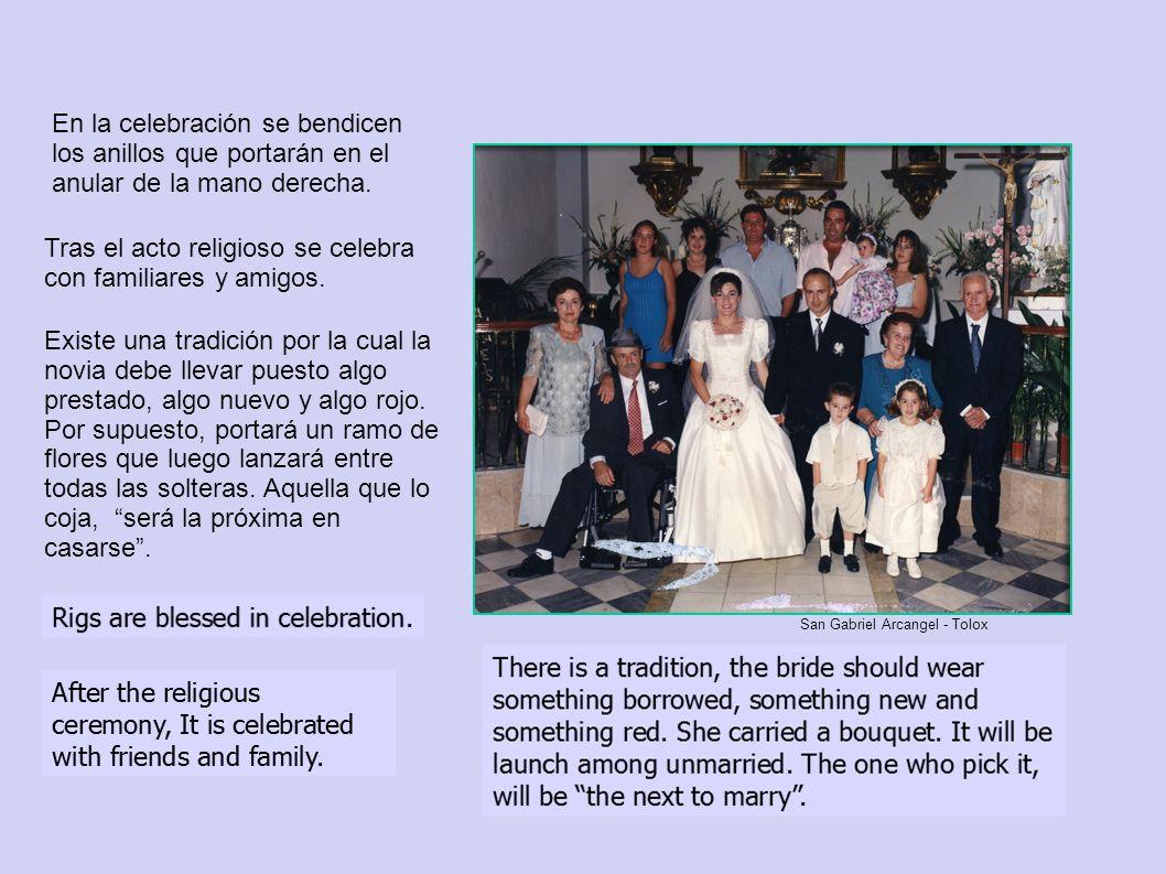 Tras el acto religioso se celebra con familiares y amigos.