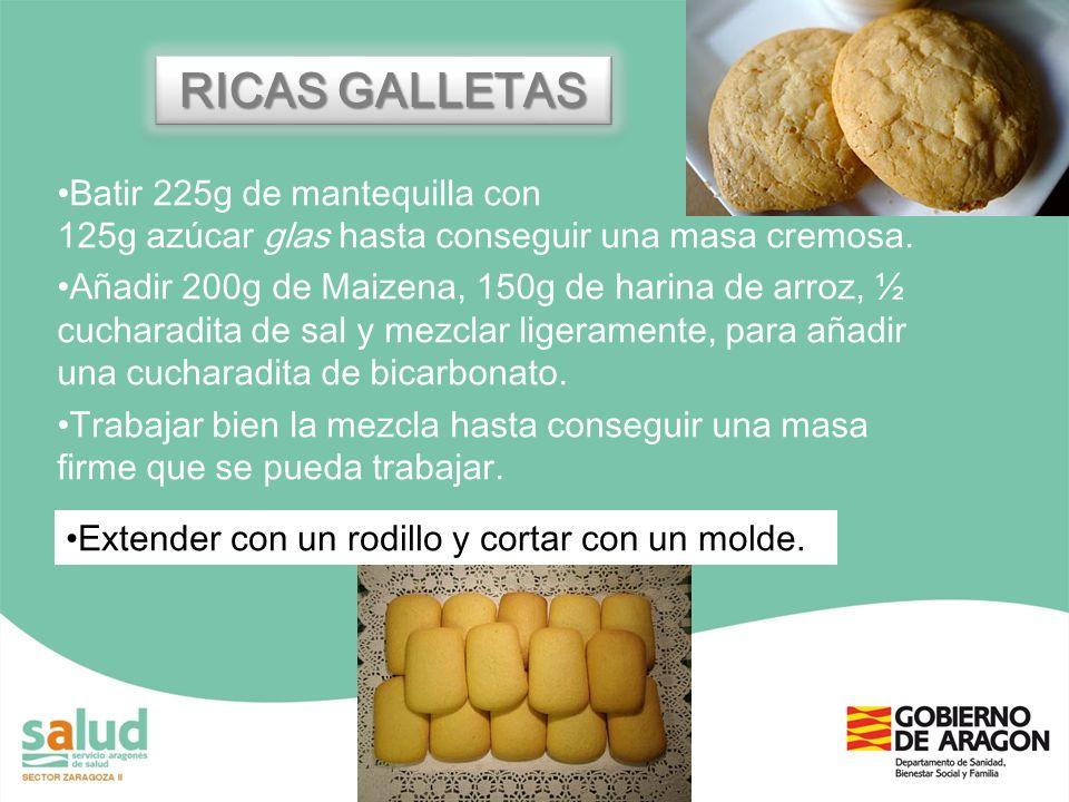 RICAS GALLETASBatir 225g de mantequilla con 125g azúcar glas hasta conseguir una masa cremosa.