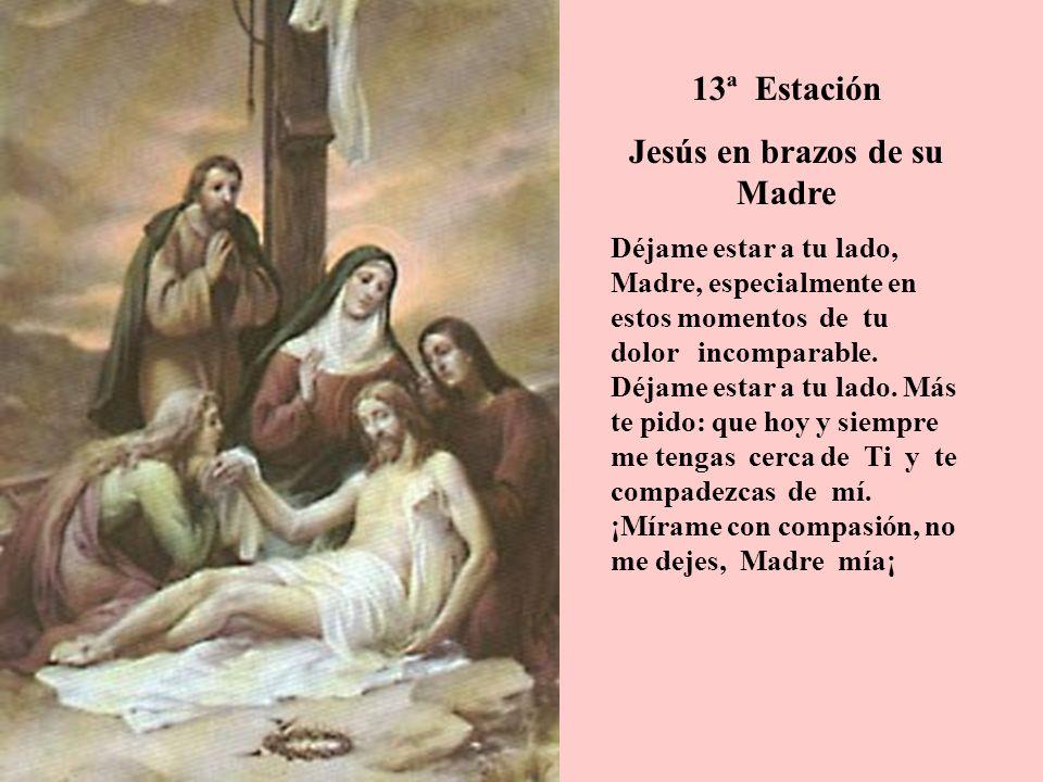 Jesús en brazos de su Madre