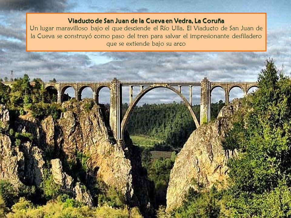 Viaducto de San Juan de la Cueva en Vedra, La Coruña Un lugar maravilloso bajo el que desciende el Río Ulla.