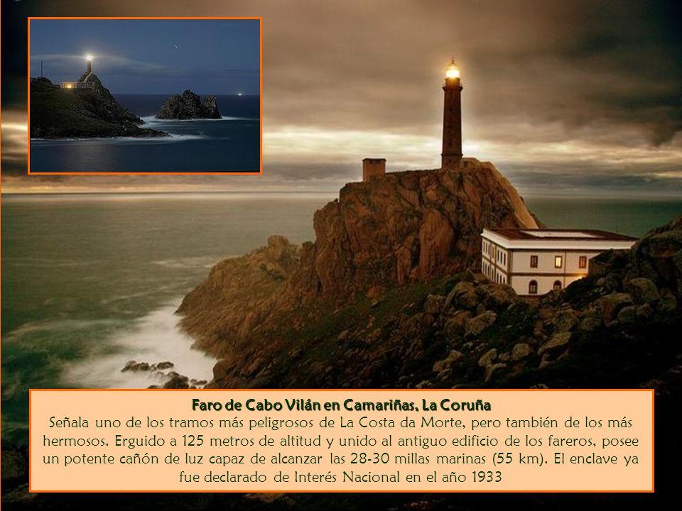 Faro de Cabo Vilán en Camariñas, La Coruña Señala uno de los tramos más peligrosos de La Costa da Morte, pero también de los más hermosos.