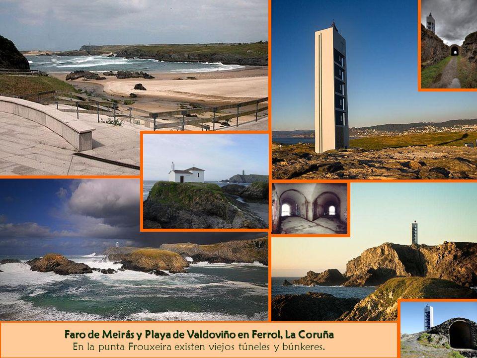 Faro de Meirás y Playa de Valdoviño en Ferrol, La Coruña En la punta Frouxeira existen viejos túneles y búnkeres.
