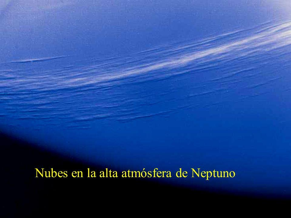 Nubes en la alta atmósfera de Neptuno