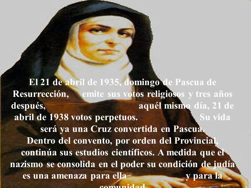 El 21 de abril de 1935, domingo de Pascua de Resurrección, emite sus votos religiosos y tres años después, aquél mismo día, 21 de abril de 1938 votos perpetuos.