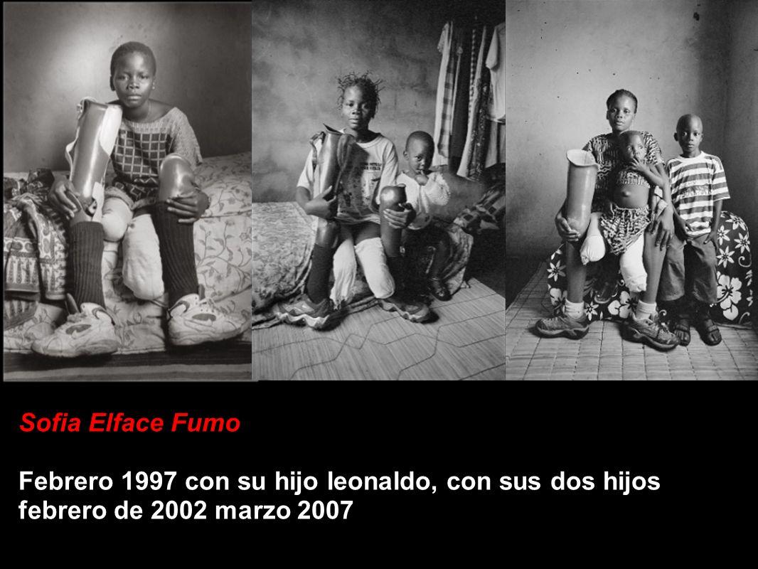Sofia Elface Fumo Febrero 1997 con su hijo leonaldo, con sus dos hijos febrero de 2002 marzo 2007
