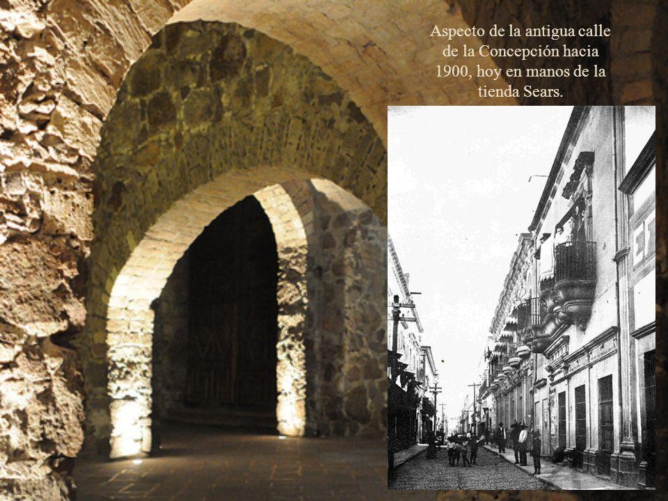 Aspecto de la antigua calle de la Concepción hacia 1900, hoy en manos de la tienda Sears.