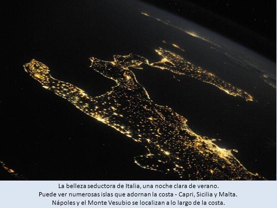 La belleza seductora de Italia, una noche clara de verano