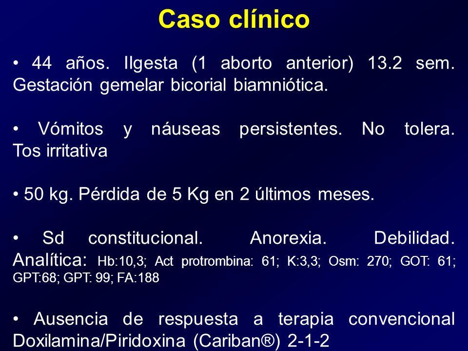 Caso clínico • 44 años. IIgesta (1 aborto anterior) 13.2 sem. Gestación gemelar bicorial biamniótica.