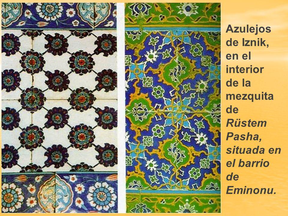 Azulejos de Iznik, en el interior