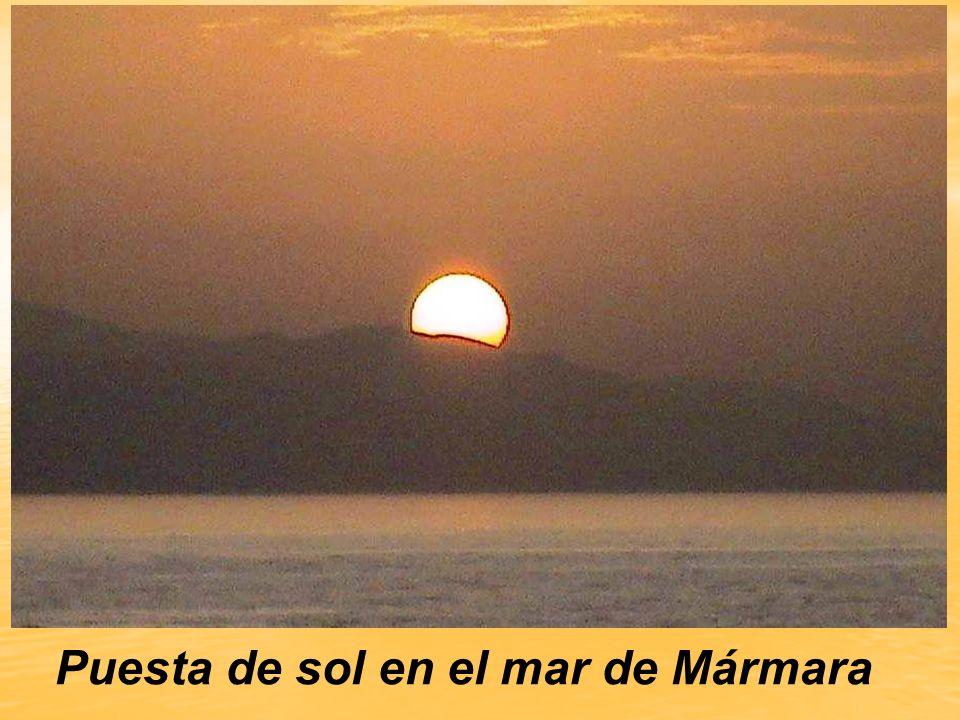 Puesta de sol en el mar de Mármara