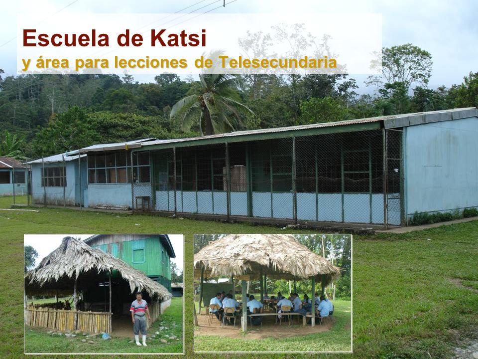 Escuela de Katsi y área para lecciones de Telesecundaria