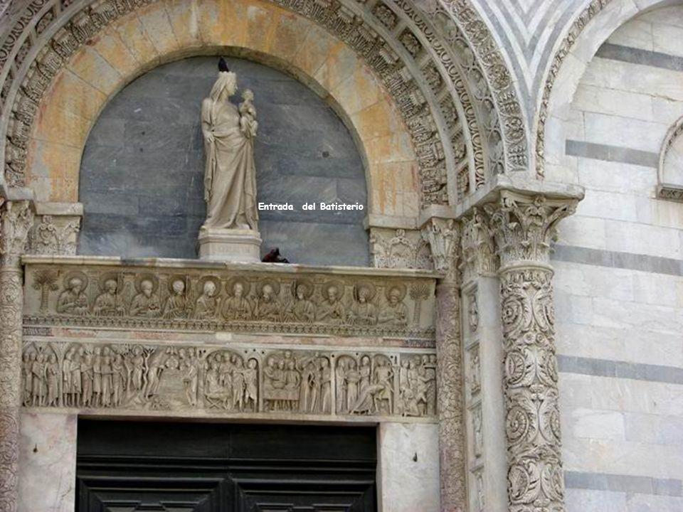 Entrada del Batisterio