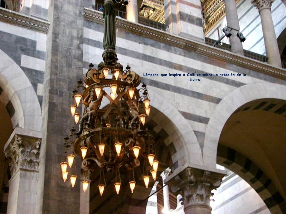 Lámpara que inspiró a Gallileo sobre la rotación de la tierra