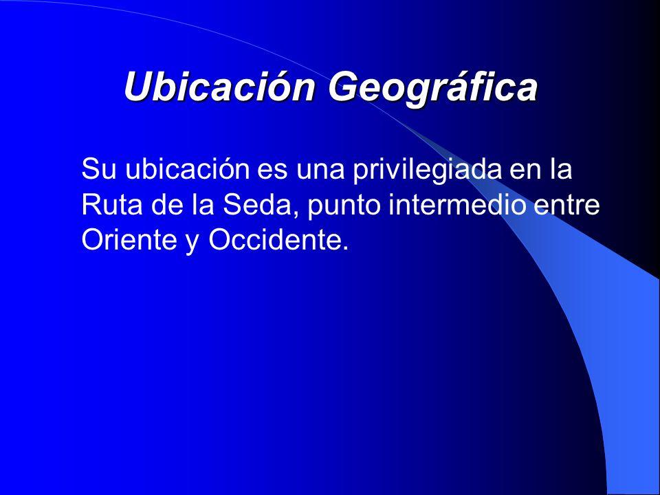 Ubicación GeográficaSu ubicación es una privilegiada en la Ruta de la Seda, punto intermedio entre Oriente y Occidente.