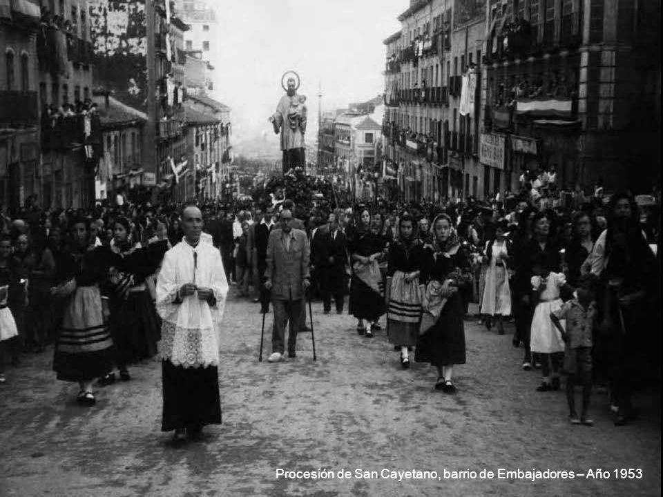 Procesión de San Cayetano, barrio de Embajadores – Año 1953