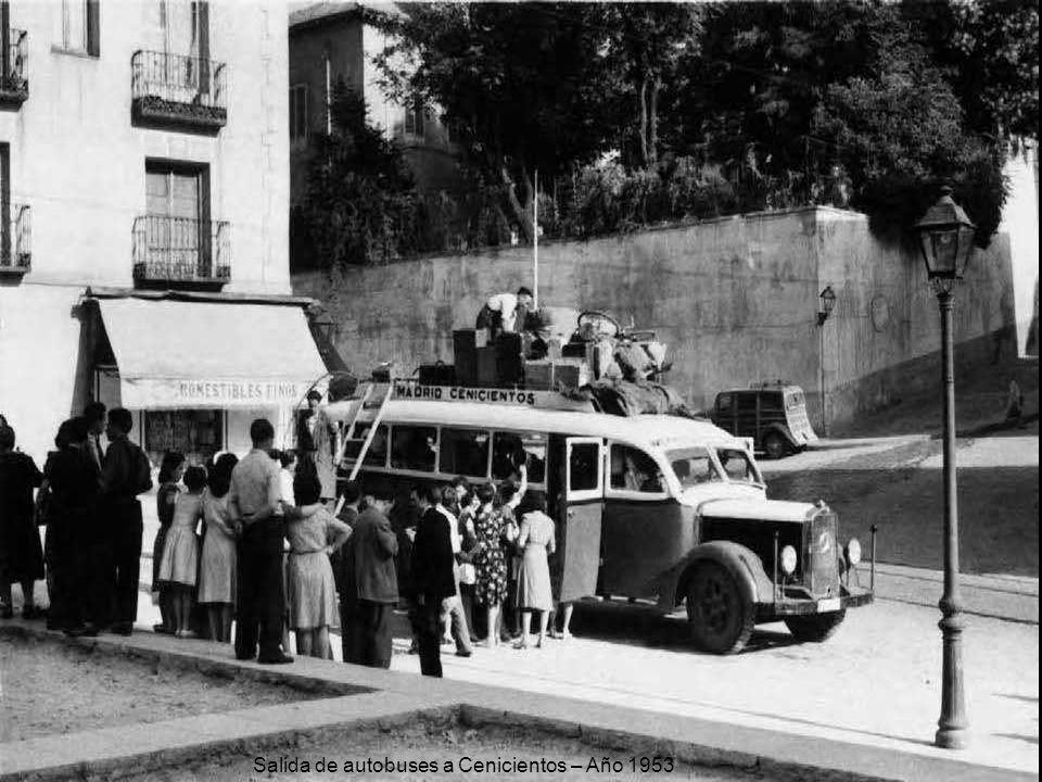 Salida de autobuses a Cenicientos – Año 1953