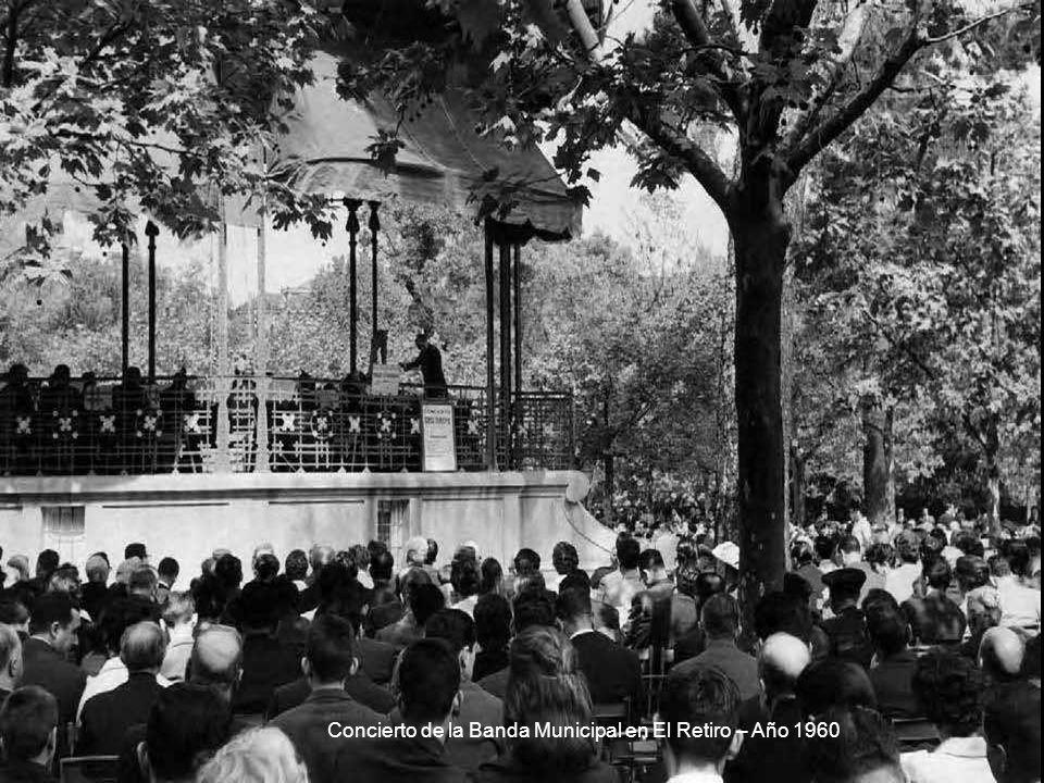 Concierto de la Banda Municipal en El Retiro – Año 1960