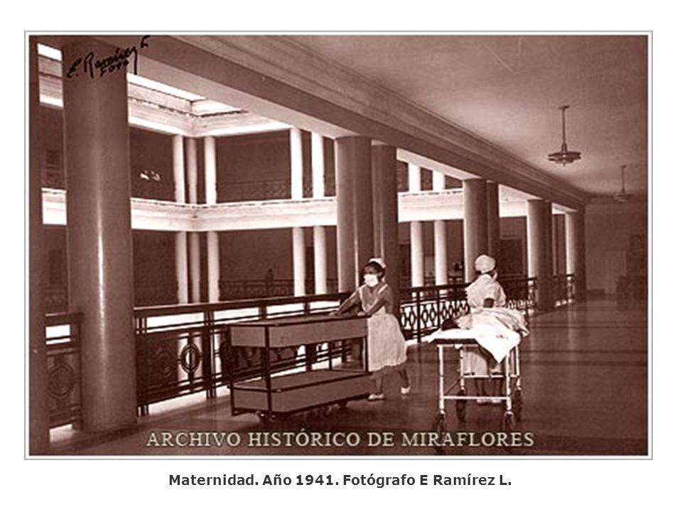 Maternidad. Año 1941. Fotógrafo E Ramírez L.