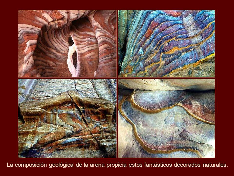 La composición geológica de la arena propicia estos fantásticos decorados naturales.