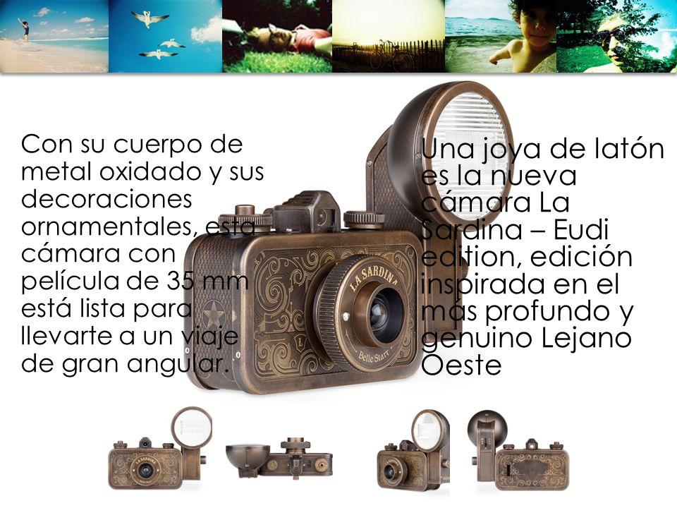Con su cuerpo de metal oxidado y sus decoraciones ornamentales, esta cámara con película de 35 mm está lista para llevarte a un viaje de gran angular.