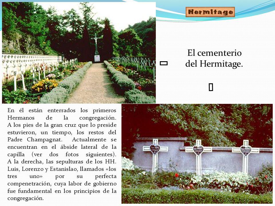 á á El cementerio del Hermitage.