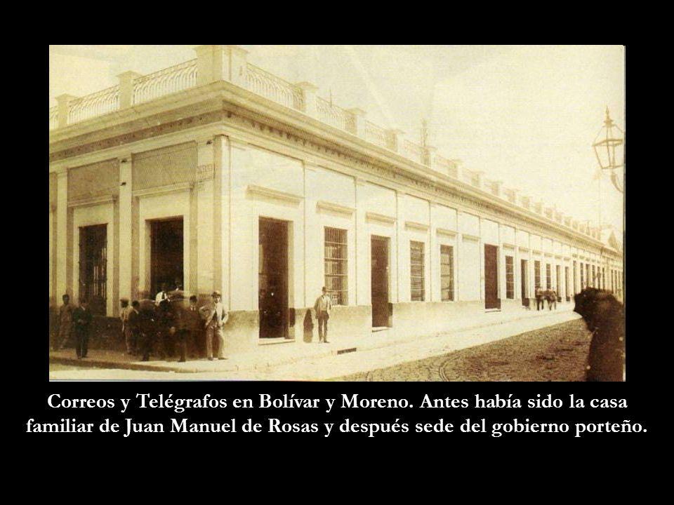 Correos y Telégrafos en Bolívar y Moreno. Antes había sido la casa