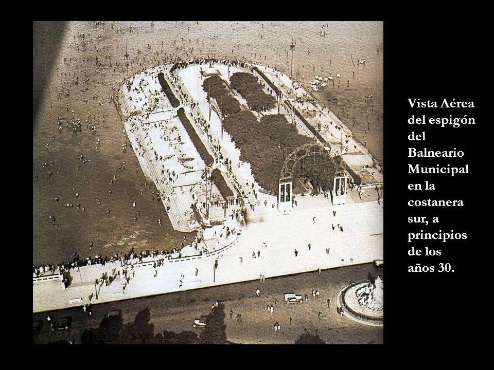 Vista Aérea del espigón del Balneario Municipal en la costanera sur, a principios de los