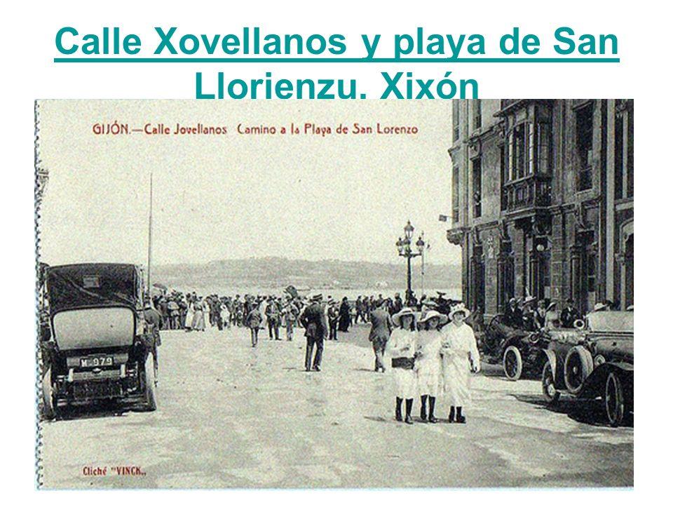 Calle Xovellanos y playa de San Llorienzu, Xixón