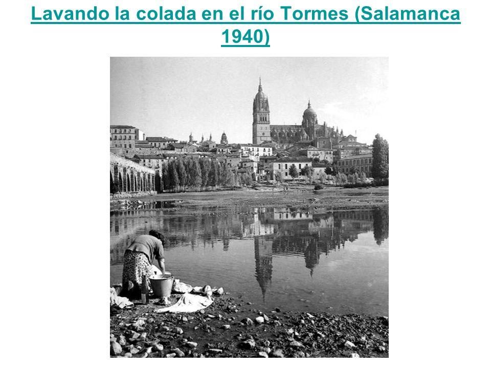 Lavando la colada en el río Tormes (Salamanca 1940)