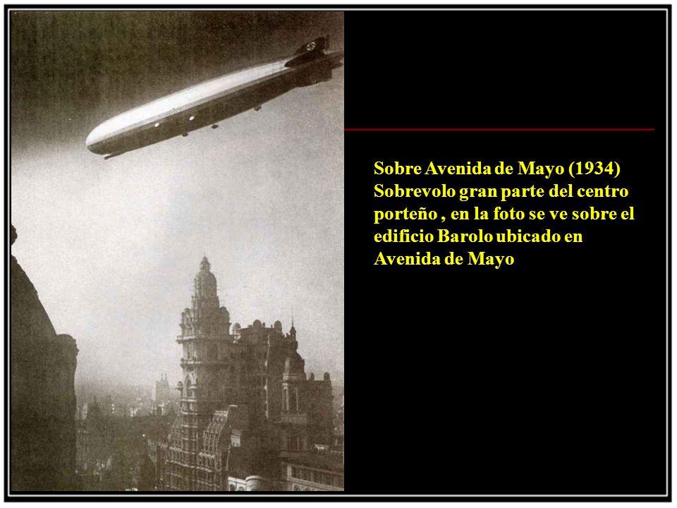 Sobre Avenida de Mayo (1934) Sobrevolo gran parte del centro porteño , en la foto se ve sobre el edificio Barolo ubicado en Avenida de Mayo.