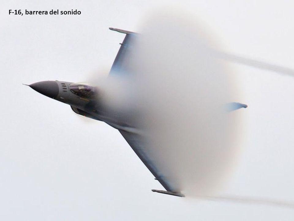 F-16, barrera del sonido
