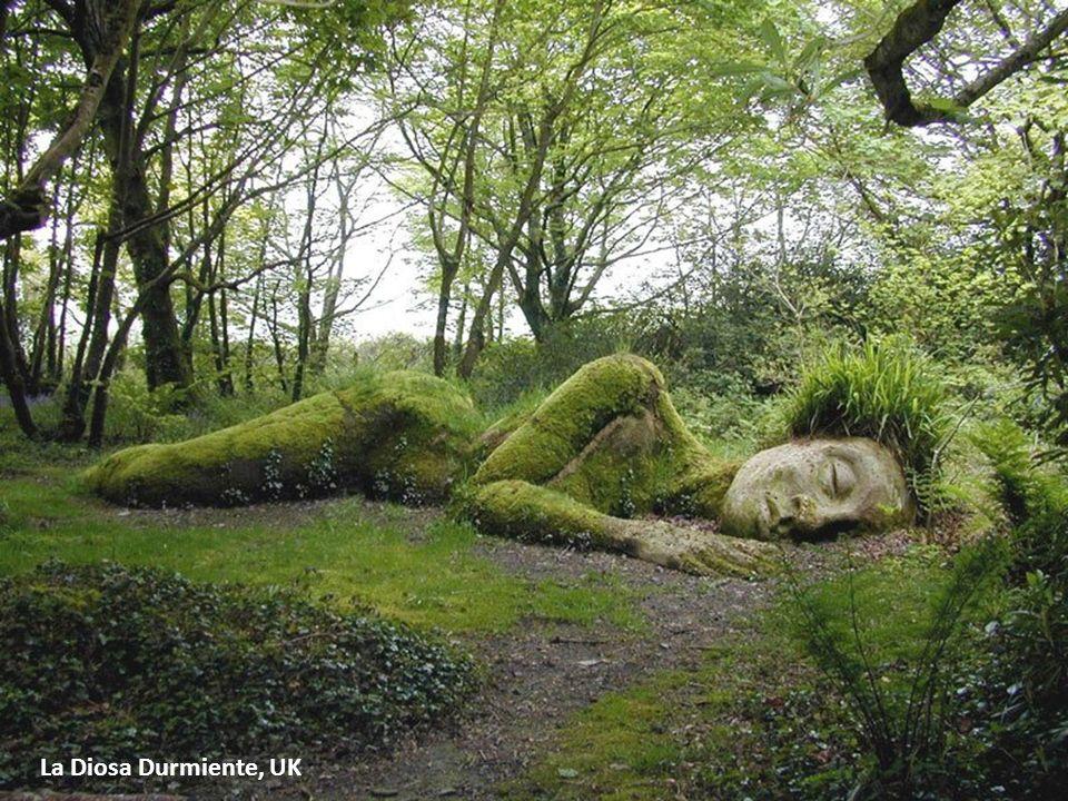 La Diosa Durmiente, UK