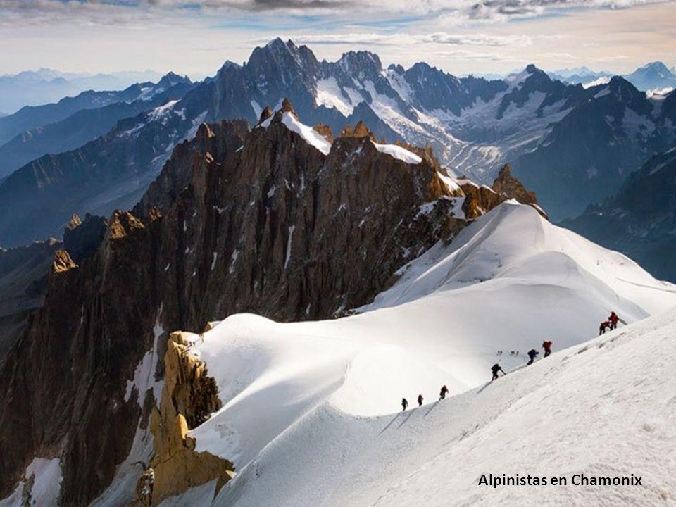 Alpinistas en Chamonix