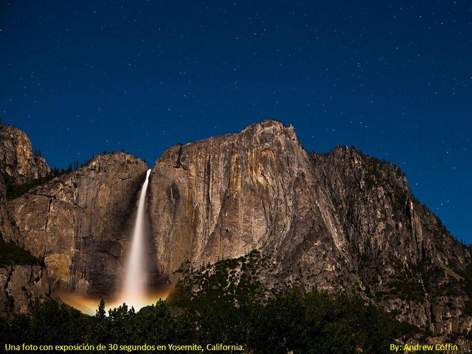 Una foto con exposición de 30 segundos en Yosemite, California