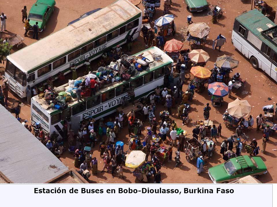 Estación de Buses en Bobo-Dioulasso, Burkina Faso