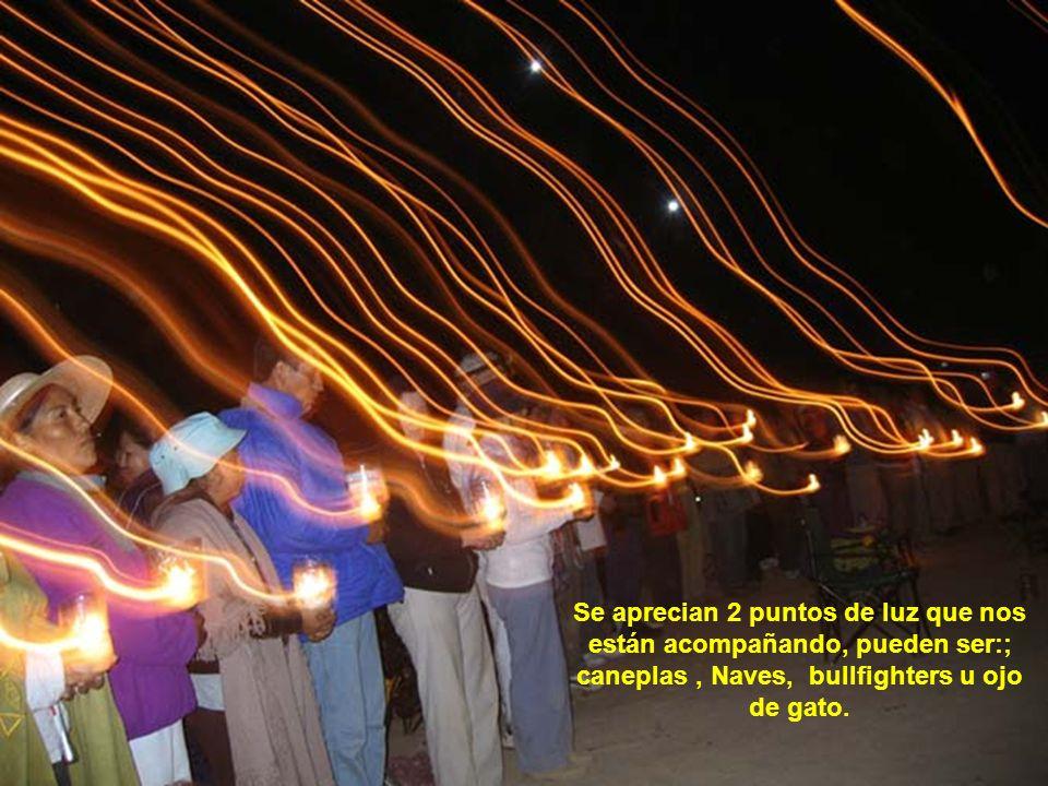 Se aprecian 2 puntos de luz que nos están acompañando, pueden ser:; caneplas , Naves, bullfighters u ojo de gato.