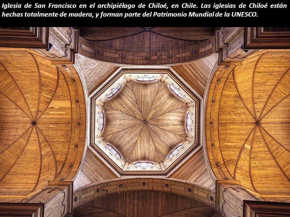 Iglesia de San Francisco en el archipiélago de Chiloé, en Chile