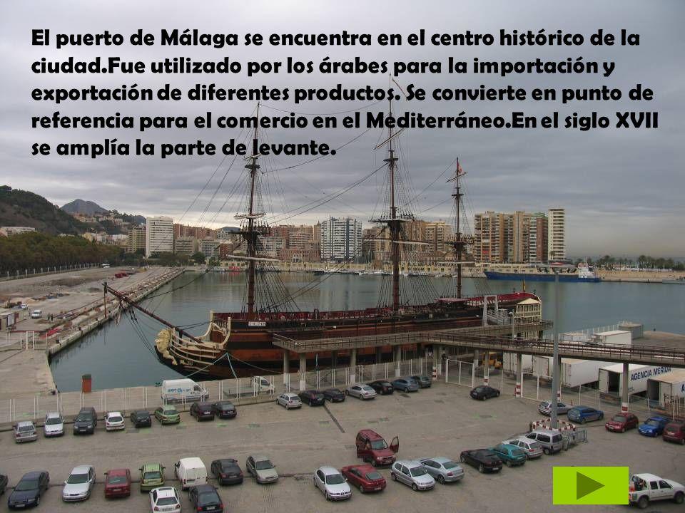 El puerto de Málaga se encuentra en el centro histórico de la ciudad