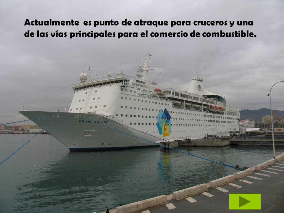 Actualmente es punto de atraque para cruceros y una de las vías principales para el comercio de combustible.