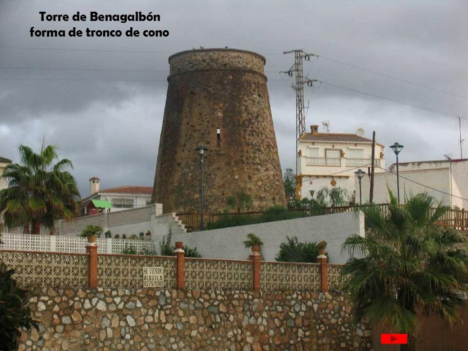 Torre de Benagalbón forma de tronco de cono