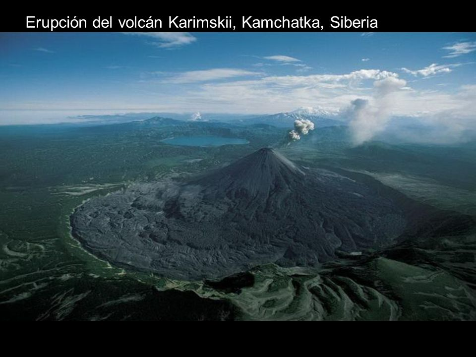 Erupción del volcán Karimskii, Kamchatka, Siberia