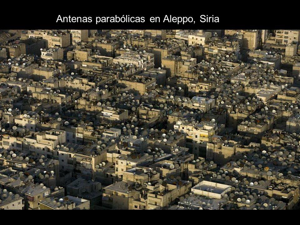 Antenas parabólicas en Aleppo, Siria