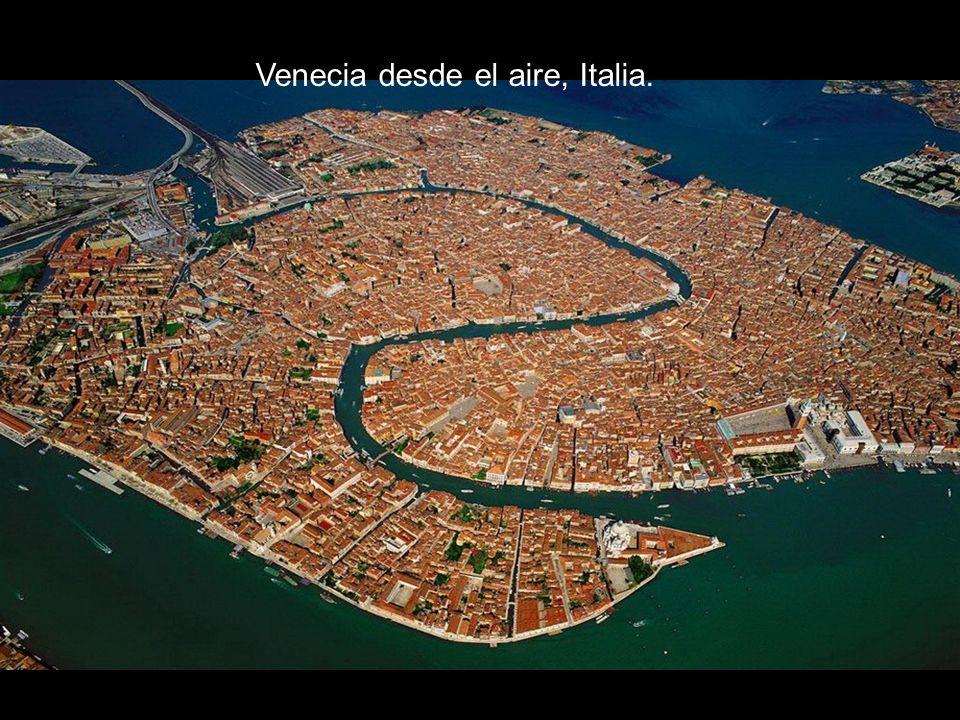 Venecia desde el aire, Italia.